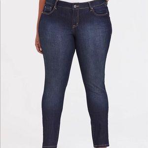 Torrid 20 dark blue skinny jeans 0556